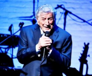 Tony Bennett Reveals He Has Alzheimer's